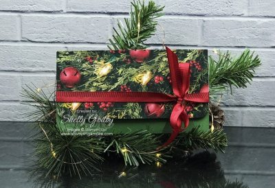 Super quick and easy DIY Christmas gift card holder designed by Shelly Godby of www.stampingsmiles.com with Stampin' Up! All is Bright Designer Series Paper